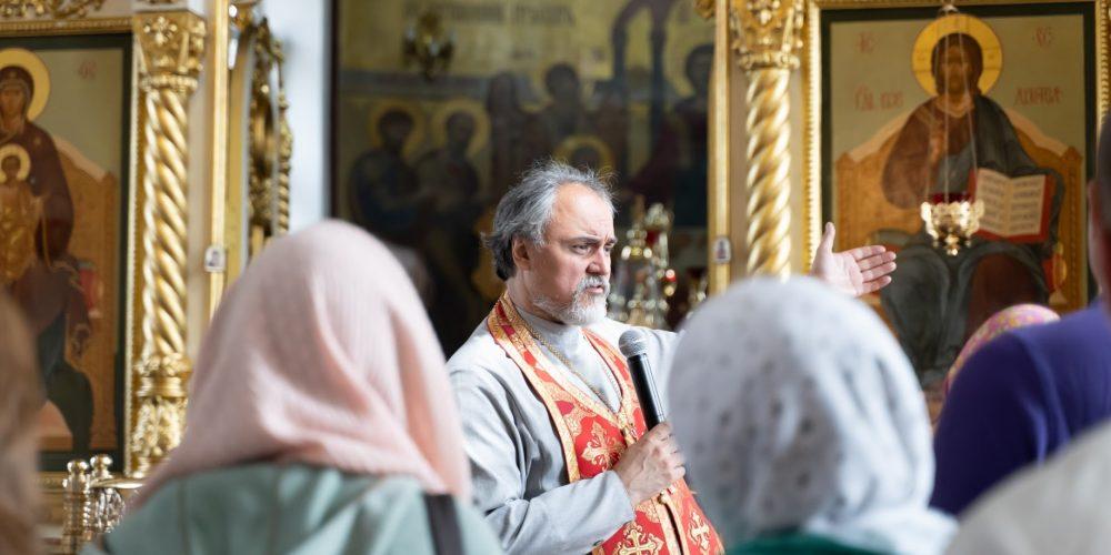 Экскурсия по храму Рождества Христова в Митине прошла в воскресенье