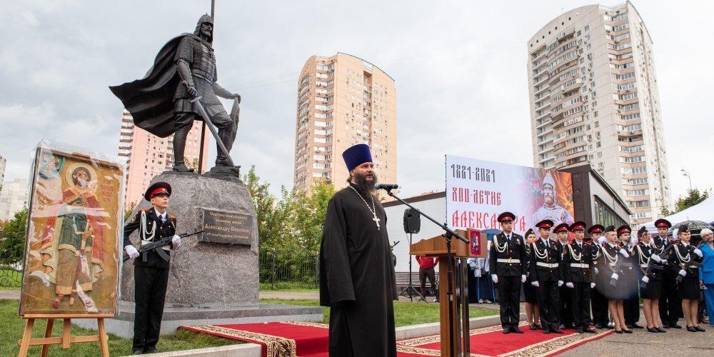 В храме при МГИМО состоялось торжественное открытие памятника святому благоверному князю Александру Невскому