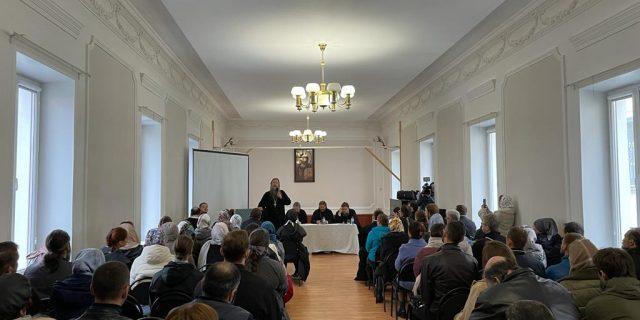 """""""Цель – готовить миссионеров, которые станут лицом Церкви в мире"""": в Школе православного миссионера прошел день открытых дверей"""